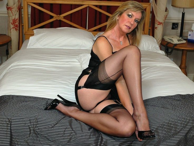 Pantyhose moms over 40