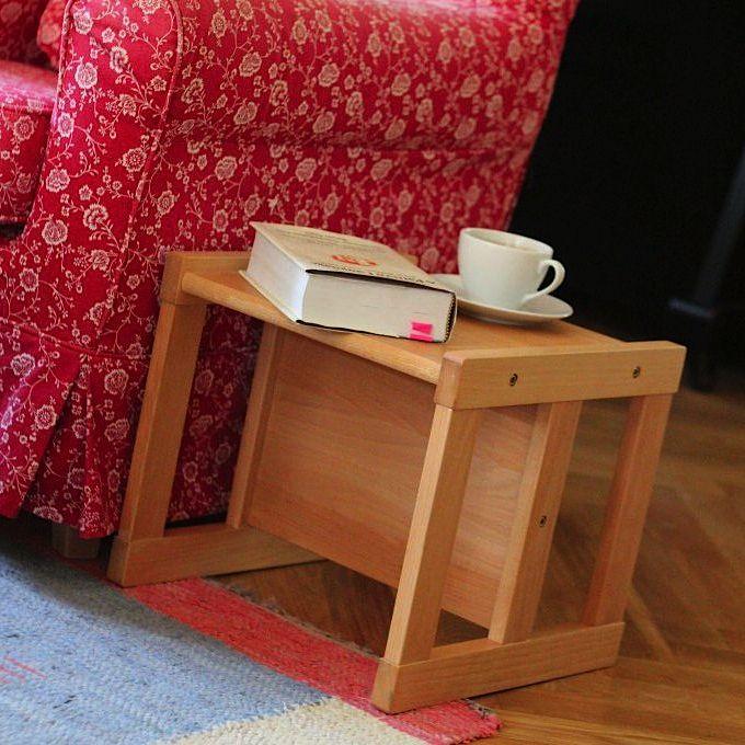 Montessori stolička Dorotka ako príručný stolček ku kreslu