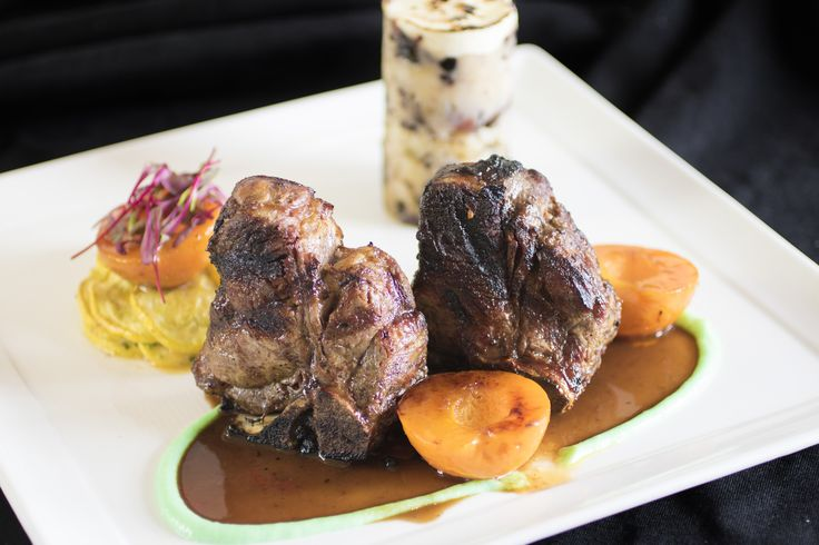 Roasted american lamb porterhouse with apricot compote for Lamb jus