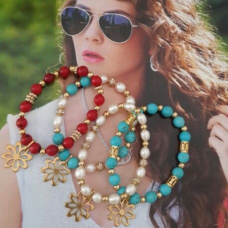Pulseras perlas, turquesas y corales