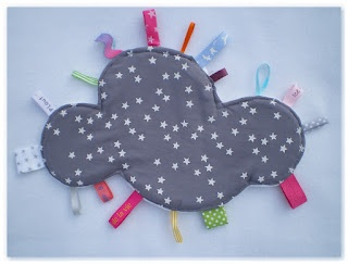 Doudou étiquette nuage et étoiles    Cloud Made in Velanne