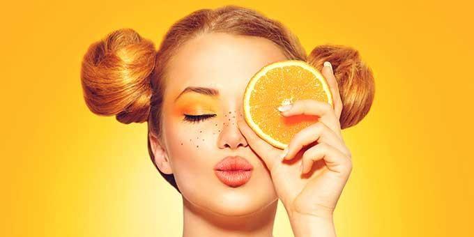 Nhiều nghiên cứu cho thấy rằng việc sử dụng kết hợp giữa vitamin E và vitamin C là một cặp đôi hoàn hảo để sản sinh collagen tự nhiên cho làn da của bạn và tạo lớp màn chắn tuyệt vời chống gốc tự do