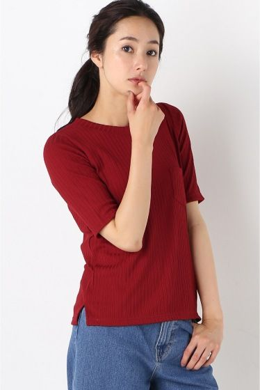 ワイドリブTシャツ  ワイドリブTシャツ 3888 秋も引き続き注目のリブカットソーは1枚着はもちろん秋にはインナーとしても活躍する優秀アイテム コンパクトなシルエットでボトムを選ばず使いやすいのでシーンを選ばずデイリーに活躍 ロングシーズン使える深みのあるカラーバリエーションで今すぐ秋の新鮮な雰囲気をスタイリングに取り入れて頂けます 色違いでも揃えられるお手頃なプライスも魅力的 モデルサイズ:身長:168cm バスト:81cm ウェスト:59cm ヒップ:88cm 着用サイズ:フリー