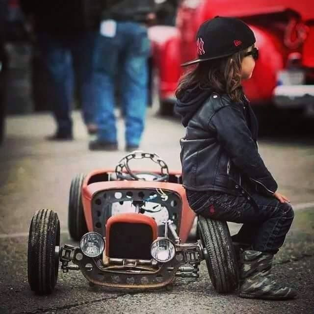 mini hotrod kidrod kid 39 s hotrod 32 ford roadster with custom drop axle and chain steering wheel. Black Bedroom Furniture Sets. Home Design Ideas