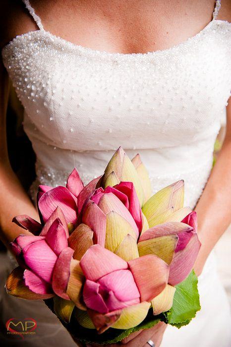 Wedding in Italy / Bride & Bouquet