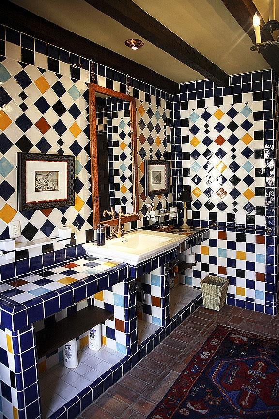 Decoracion De Baños Home Center:Más de 1000 imágenes sobre Talavera Tile Bathroom Ideas en Pinterest