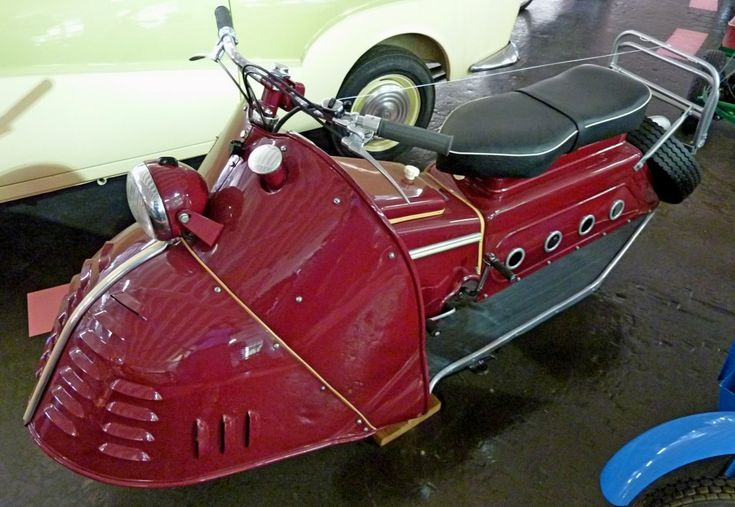 Kroboth 200 Convertible, built in 1954, with the engine 147ccm and 6,5PS, Vmax.80Km / h, the company in Seestall am Lech built different models from 1951-54, Car Museum Schramberg, May 2012