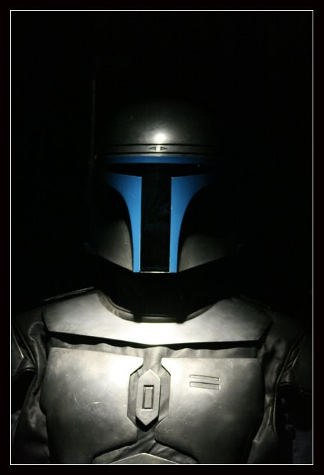 The armor was waaaay cooler when Jango Fett wore it like this than when Bba had it green-ified.