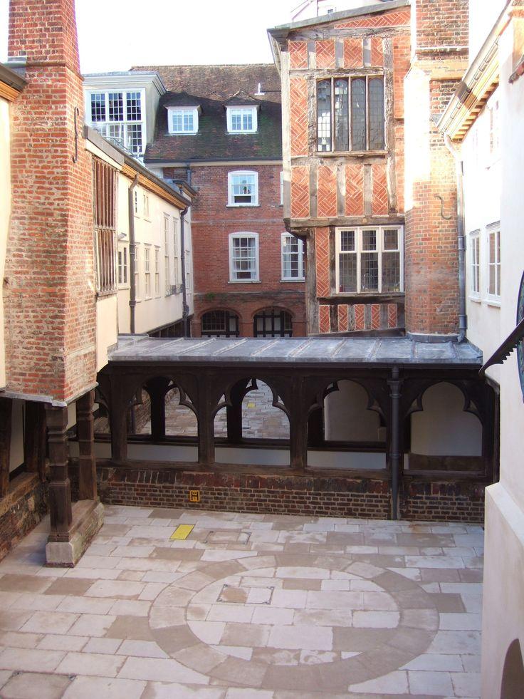The Canons' Cloister, Windsor, Berkshire Martin Ashley Architects Chestnut / Oak