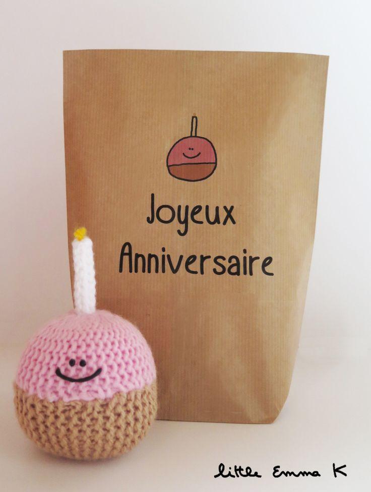 """Cadeau Joyeux anniversaire, muffin en tricot, kawaii decoration """"Joyeux anniversaire fais un voeu"""", cadeau anniversaire original, muffin"""