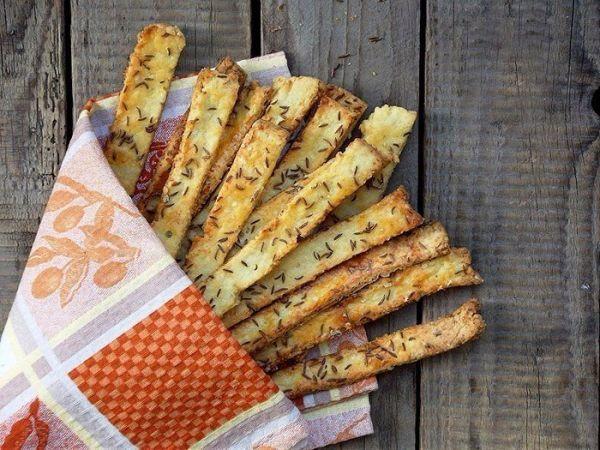 Хрустящие картофельные палочки  Вкусные, хрустящие, солененькие… любители похрустеть от таких не смогут отказаться! Проверено! Приятного аппетита!
