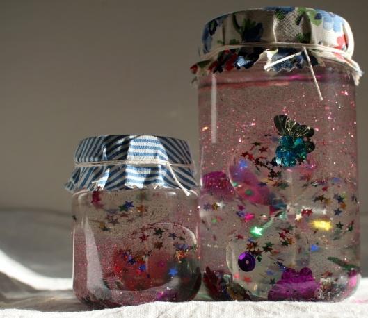 glitter jar: Diy Sparkle, Idea, Plastic Animal, Glasses, Snow Globes, Sparkle Jars Jpg, Glitter Jars, Kids Fun, Crafts
