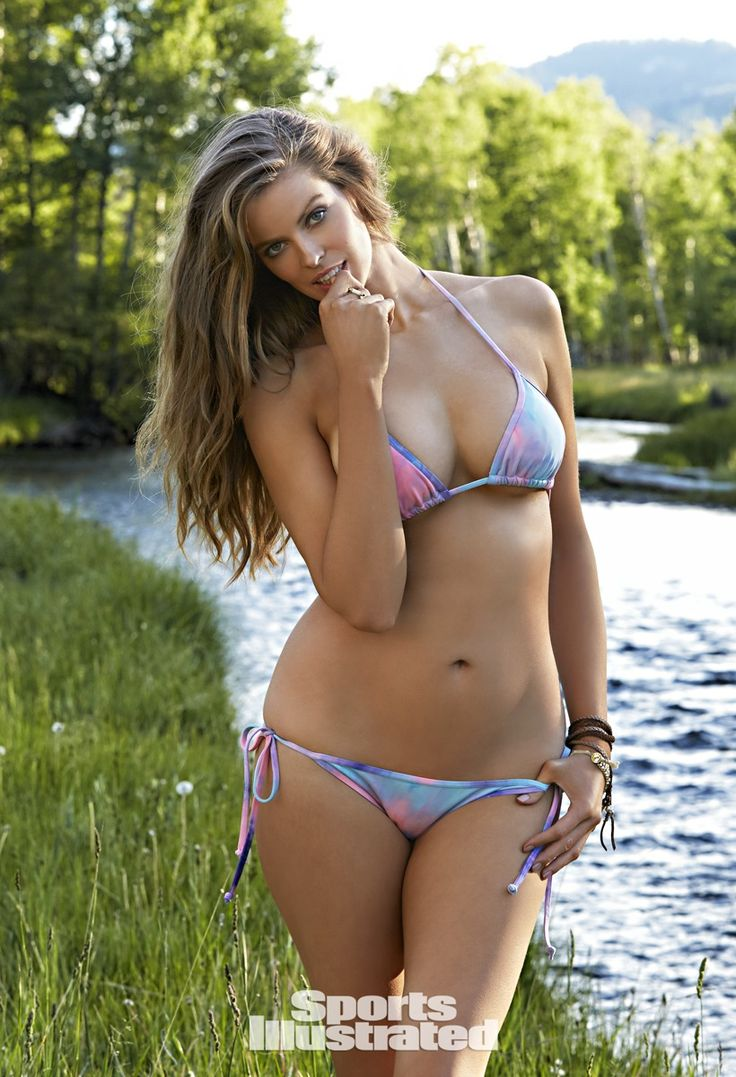 Robyn Lawley Swimsuit Photos, Sports Illustrated Swimsuit 2015