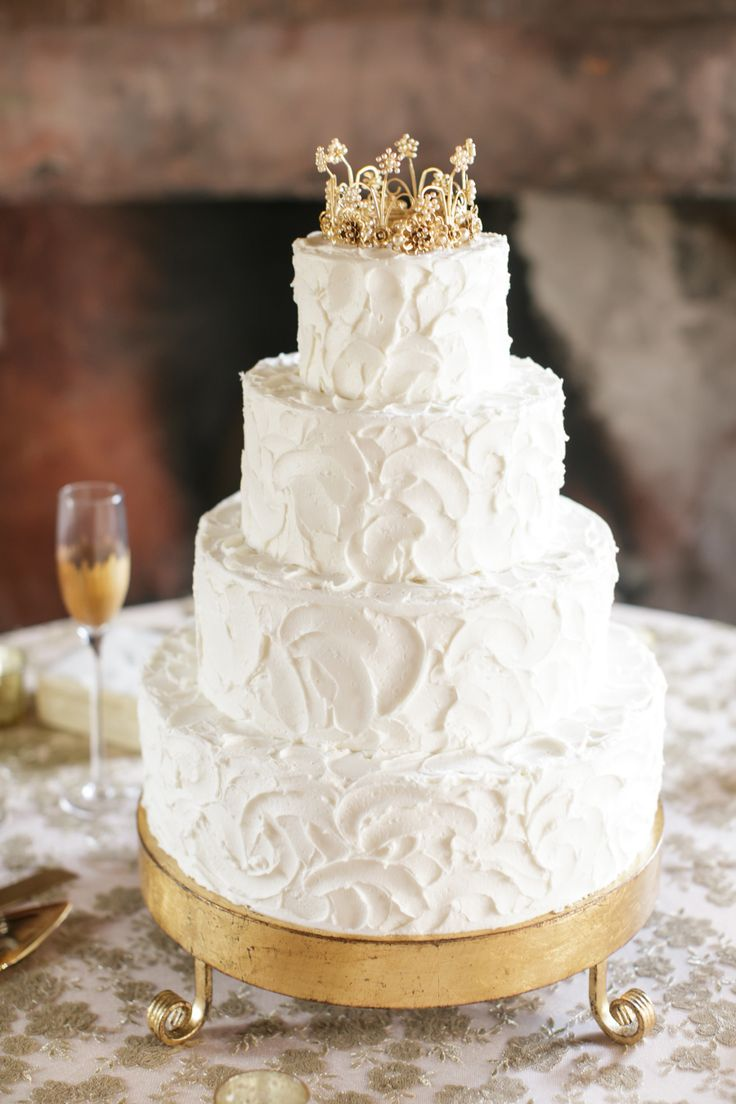 christian wedding cakes timeless at race amp religious wedding venues 12827