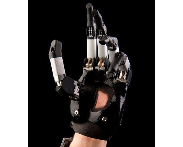 Touch Bionics latest prosthetic innovations for people with missing fingers. The company revealed new wrist-band and digit technologies for its i-limb digits solution that will help bring the benefits of the prostheses to a greater population.