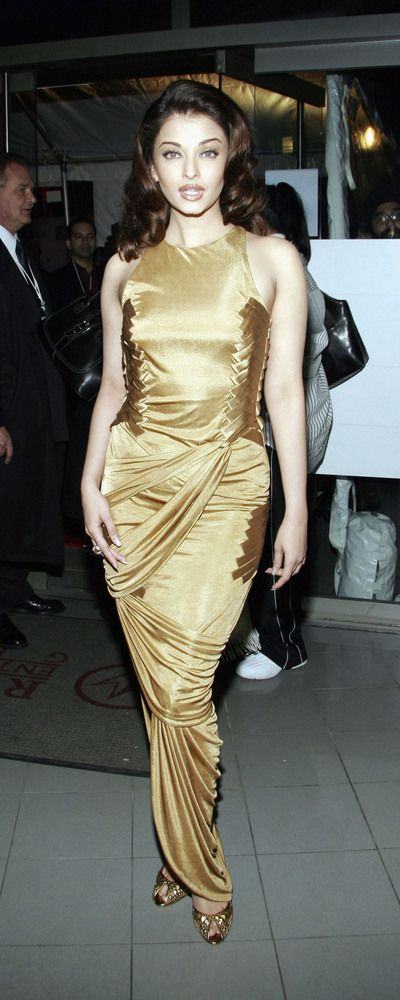 Actress Aishwarya Rai arrives for the premiere of Miramax's 'Bride And Prejudice' on February 9, 2005 in New York City.
