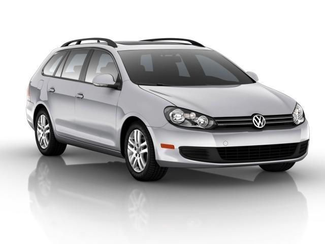 2011 #Volkswagen #Jetta SportWagen, 38,983 miles, listed on CarFlippa.com for $18,400 under used cars.
