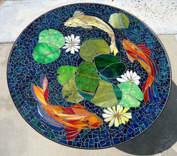 CUSTOM KOI vitrail mosaïque de dessus de table ou murale médaillon - utilisation intérieure ou extérieure - jardin patio ameublement et décoration - sur mesure