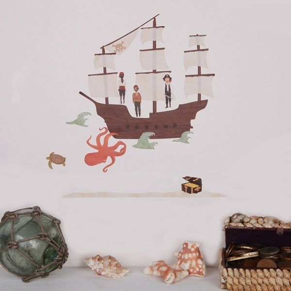 A little pirate needs a suitable wall sticker