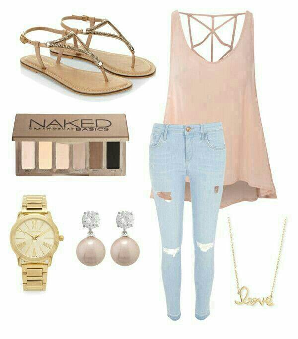 Este outfit es perfecto para la temporada de calor. Si llega a bajar la temperatura durante el día basta con agregar un cardigan o un blazer.