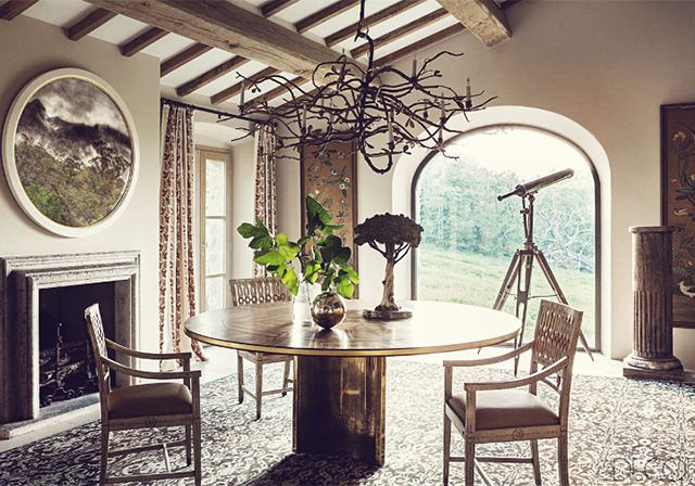 Gorgeous Dining Table in a Farmhouse Retreat