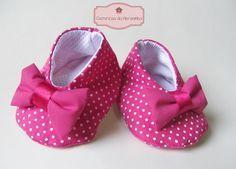 Costurices da Moreninha: Sapatinhos de bebê em tecido com molde e passo-a-passo