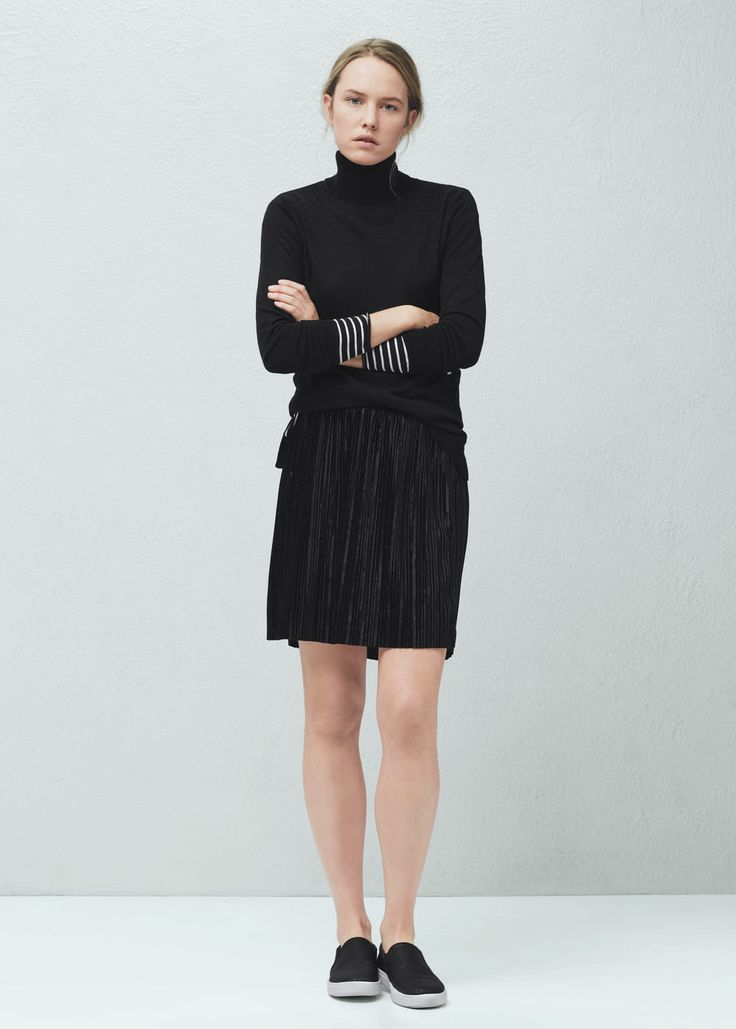 Pleated velvet skirt | MANGO