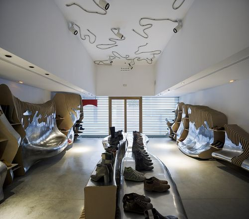 Sevilla, Spain  Interior Design Camper store  Miralles Tagliabue EMBT