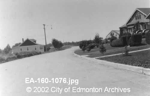 Ada Blvd.  1934.  Image Courtesy of Vintage Edmonton   https://www.facebook.com/TheVintageEdmonton
