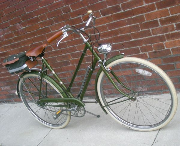 "A vintage Raleigh Lady's Sport.  The same type I ride as my commuter bicycle.  Hoping one day my bicycle will be this pristine.  Lovely Bicycle!: Review of ""Lucy 3-Speed"": Raleigh Lady's Sports"