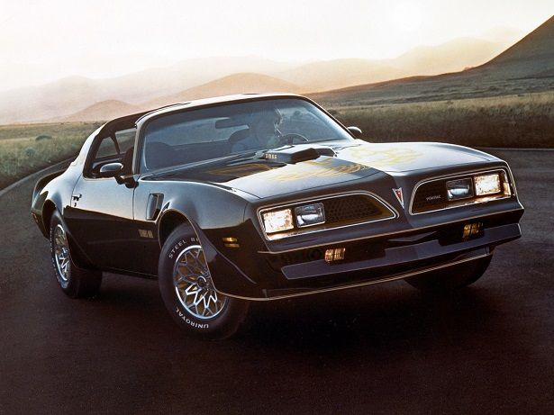 Pontiac Firebird Trans Am T/A 6.6 W72 T-Top (1977 – 1978).