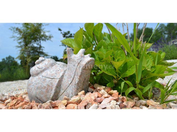 Rozkošná socha šneka z přírodního žulového kamene zkrášlí Vaši zahradu či…