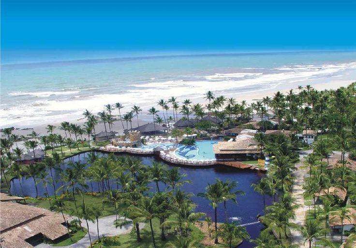 Cana Brava Resort's restaurant serves traditional Bahian dishes, as well as international cuisine.