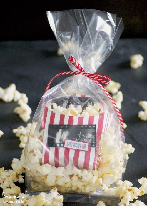 die besten 17 ideen zu kinogutschein auf pinterest film geschenk k rbe filmkorb und pizza box. Black Bedroom Furniture Sets. Home Design Ideas