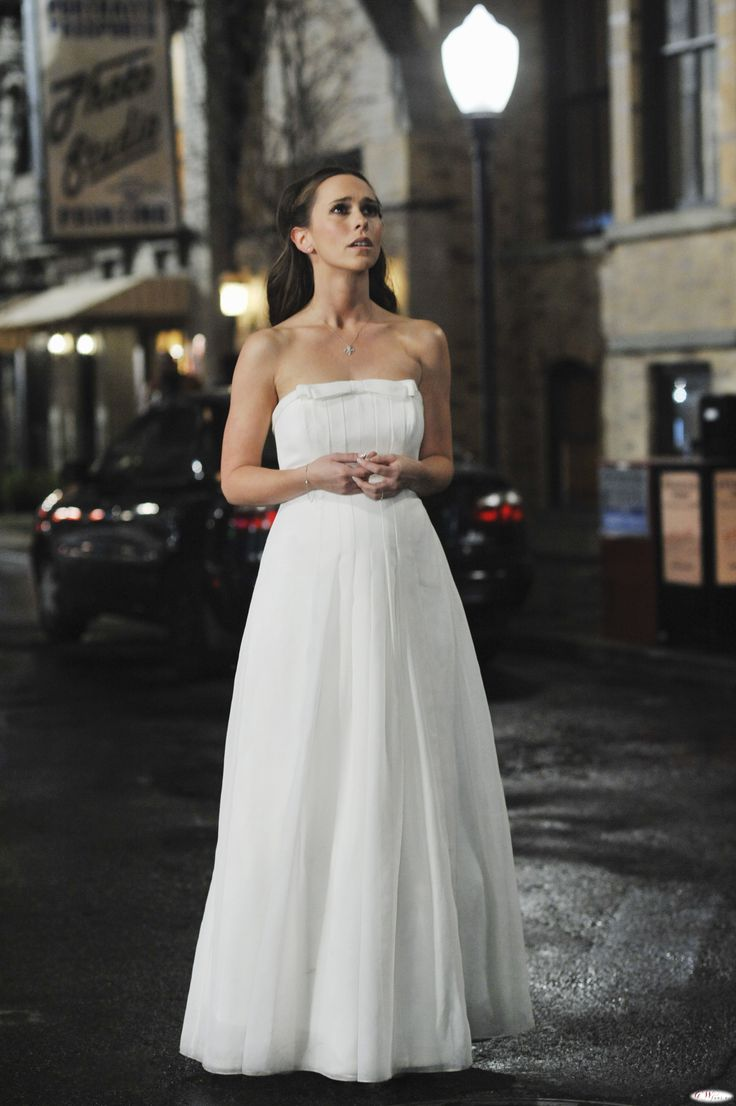 Jennifer Love Hewitts Wedding Dress: YOU Decide What