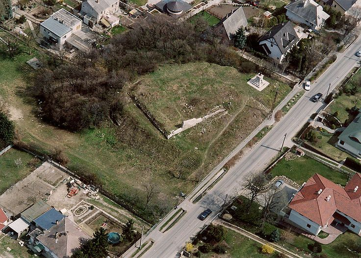 """""""Kutyavár"""" - Dog-Castle .  According to legend, built King Matthias hunting dogs  for 15. century. Today, only the ruins can be seen. Érd, Hungary"""