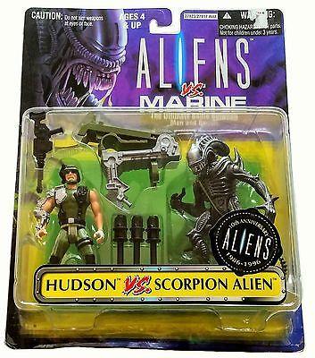 MOC Kenner 1996 Aliens vs Marine Hudson vs Scorpion Alien Action Figures