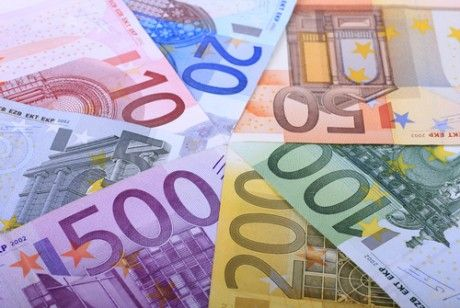Ensure you have plenty of Euros as cash machines can be few and far between. Your crew will advise where they can be found.  There is no ATM at Preveza airport or our bases Sivota and Plataria. Try to avoid taking 500, 200 and 100 Euro notes as small village shops will not be equipped to give you change.