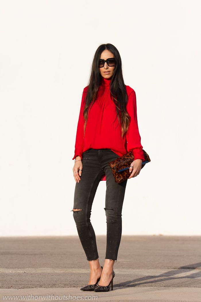 Blusa romántica roja, jeans rotos y Zapatos con tachuelas de Rebeca Sanver | With Or Without Shoes - Blog Moda Valencia España