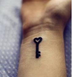 love the key design #tattoo