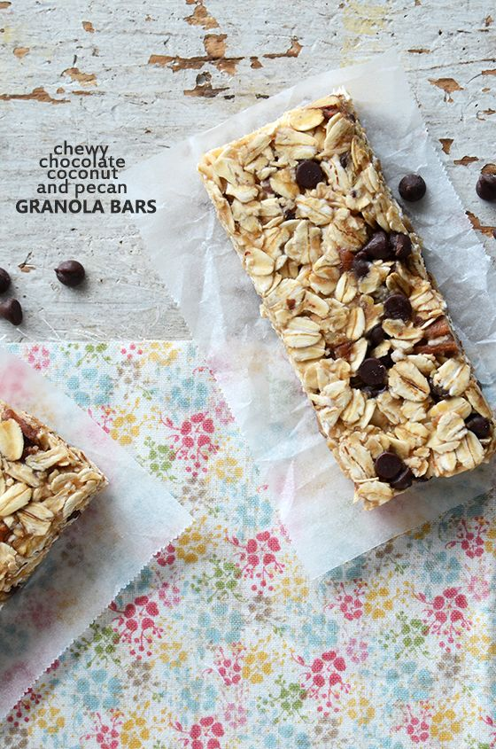 Chewy Chocolate, Coconut, and Pecan Granola Bars {No-Bake; Vegan; Gluten-Free} #snack #recipe