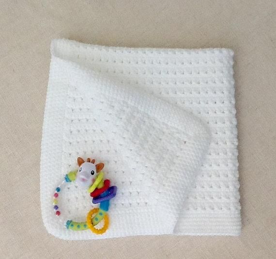 Couverture bébé au crochet, blanche, landau,