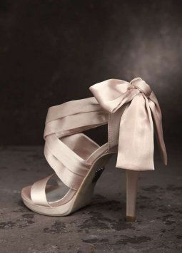 Vera Wang White Label Blush Bow Wedding Shoes $60