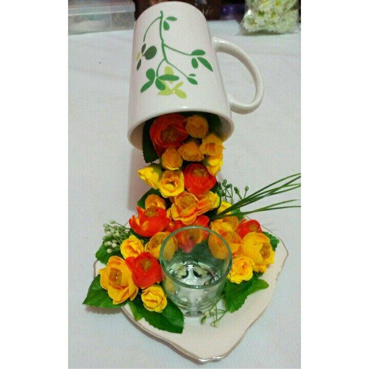 Rp.  140.000  Floating cup tempat menyimpan sedotan,  sendok dan garpu kue
