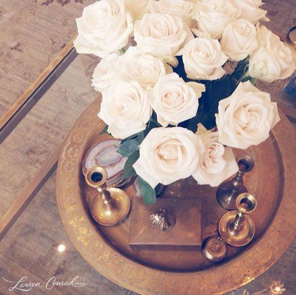 white roses on Lauren Conrad's coffee table
