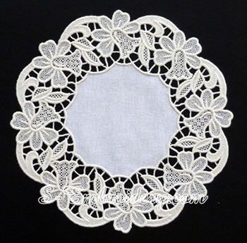 10622 Floral freestanding lace doily machine embroidery