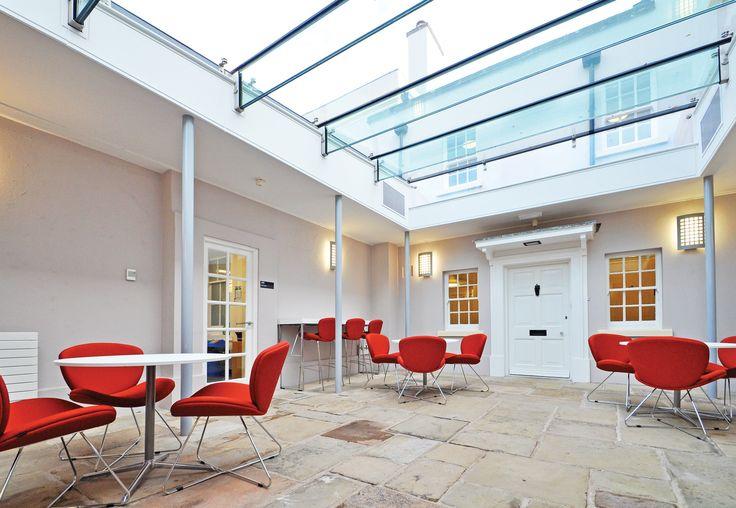 The University of Nottingham - The University of Nottingham - Highfield House: bof Harmony Adagio chairs and stools.