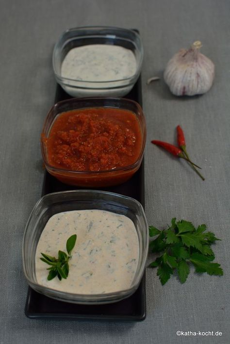 Die drei beliebtesten Dönersaucen? Kräuter, Knoblauch, scharf. Drei leckere Saucen und drei einfache Rezepte gibt es hier...!