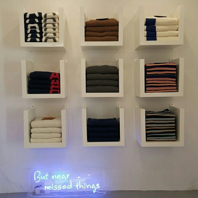 ADER showroom minimal