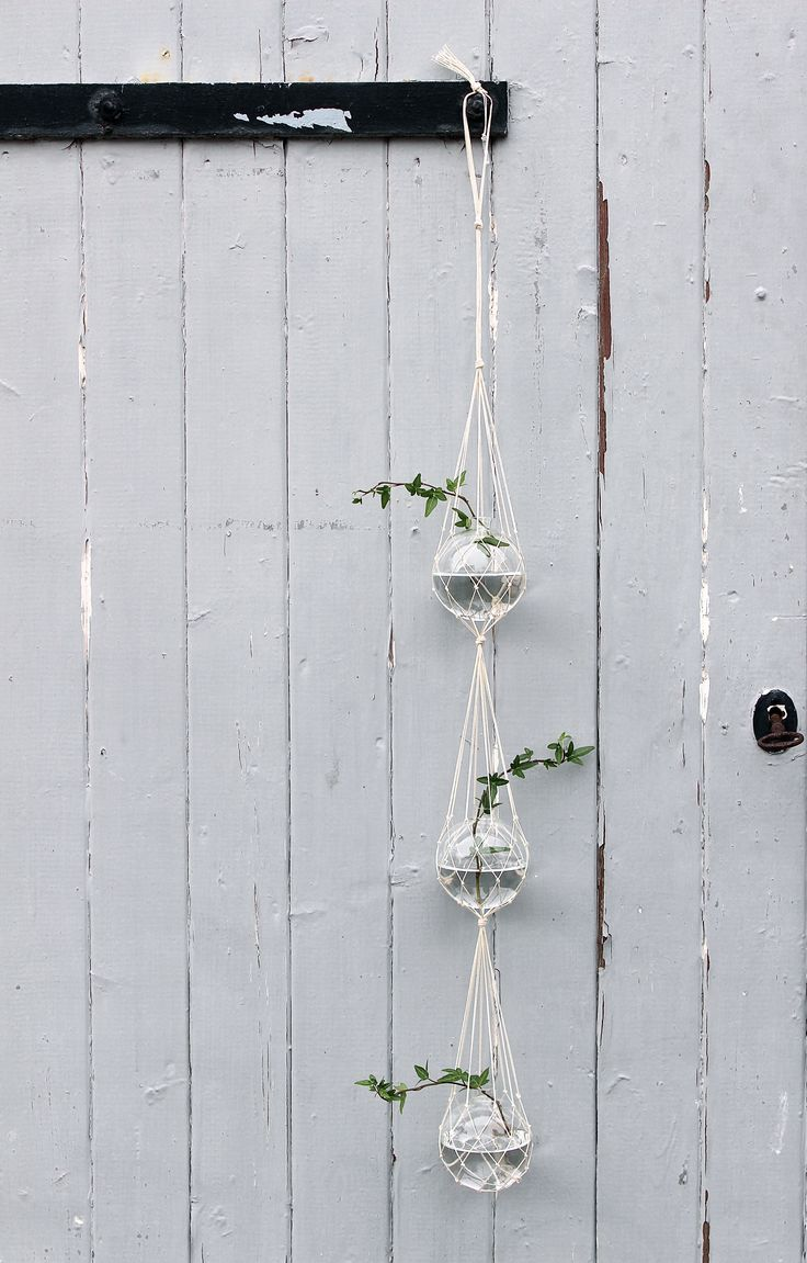 Triplecatch - hanging vase inspired by old glass floaters. Handmade in Skåne, Sweden.